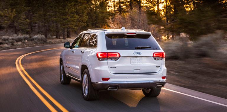 jeep-grand-cherokee-summit-rear