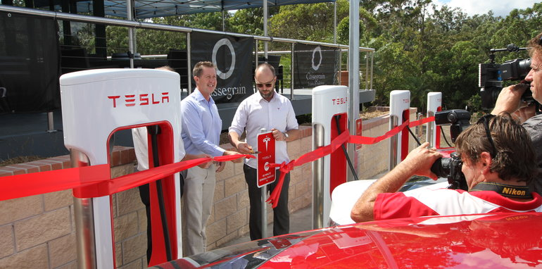 tesla_supercharger_port-macquarie_03
