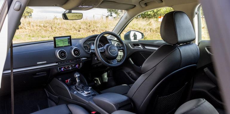 Eco-Test Country loop - Audi A3 e-tron v BMW i3 v Citroen C4 Cactus v Toyota Prius-101