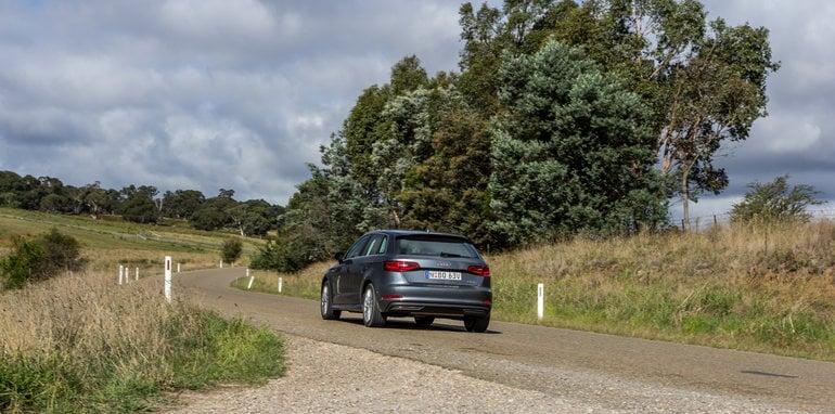 Eco-Test Country loop - Audi A3 e-tron v BMW i3 v Citroen C4 Cactus v Toyota Prius-115