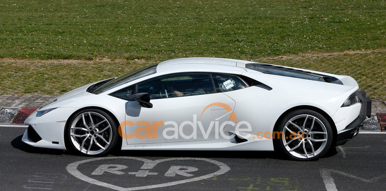 lamborghini-huracan-superleggera-spy-5-side