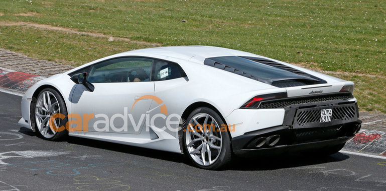 lamborghini-huracan-superleggera-spy-7-rear