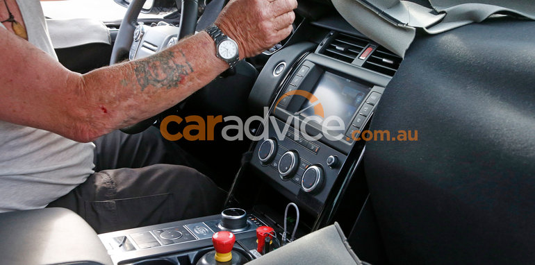 land-rover-discovery-spy-9-interior