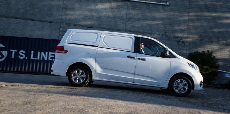 2016 Comparo LDV G10 base van petrol manual Citroen Berlingo diesel manual Volkswagen Caddy petrol auto-138