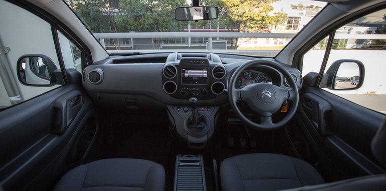 2016 Comparo LDV G10 base van petrol manual Citroen Berlingo diesel manual Volkswagen Caddy petrol auto-77