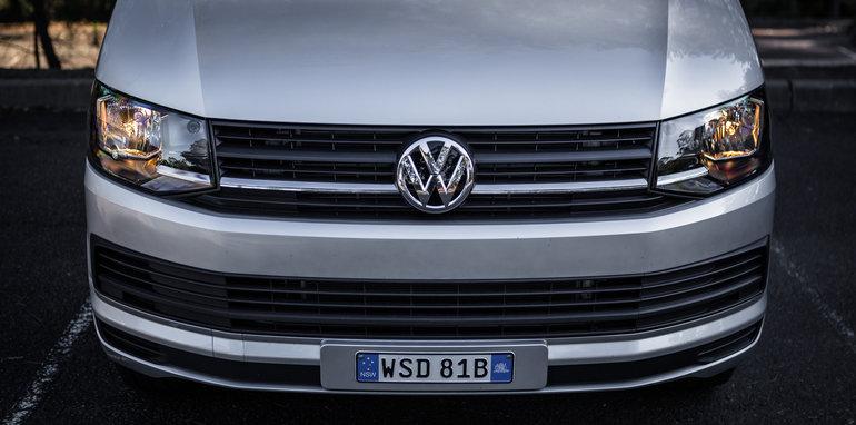 2016 Comparison Volkswagen Caravelle V Mercedes Valente-75