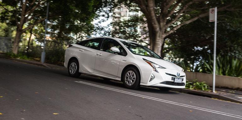 2016 Toyota Corolla Hybrid Toyota Prius Hybrid-44