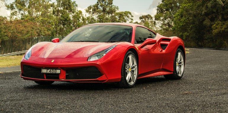2017-Ferrari-488-GTB - 27