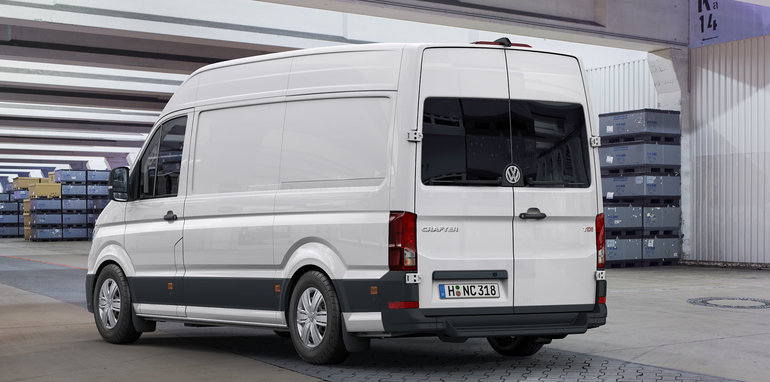 2017 volkswagen crafter unveiled arrives in australia late next year. Black Bedroom Furniture Sets. Home Design Ideas