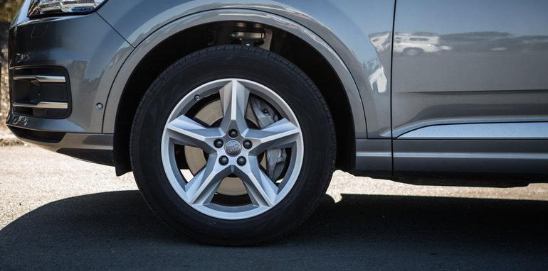 2016 Luxury SUV Comparo_Range Rover Sport V Jaguar F Pace V Porsche Cayenne V Volvo XC90 V BMW X5 V Audi Q7 V Lexus RX350 V Merc GLE250d-54