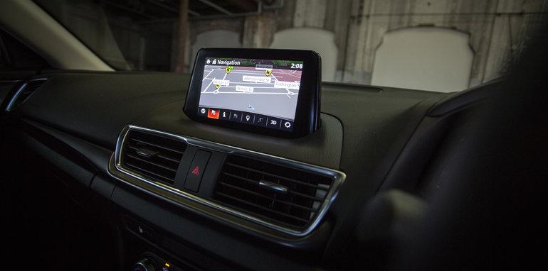 2016 Small Hatch Comparison Mazda 3 SP25 Astina V Volkswagen Golf 110TSI Highline V Hyundai i30 SR Premium-100