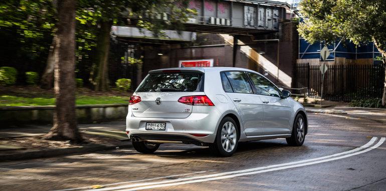 2016 Small Hatch Comparison Mazda 3 SP25 Astina V Volkswagen Golf 110TSI Highline V Hyundai i30 SR Premium-2