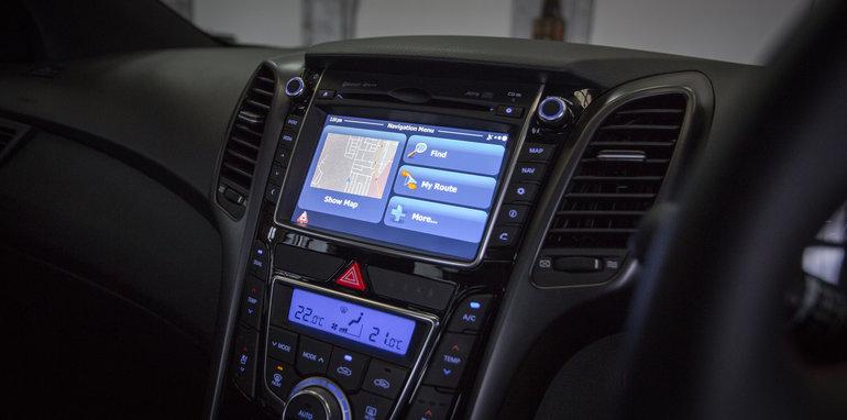 2016 Small Hatch Comparison Mazda 3 SP25 Astina V Volkswagen Golf 110TSI Highline V Hyundai i30 SR Premium-72