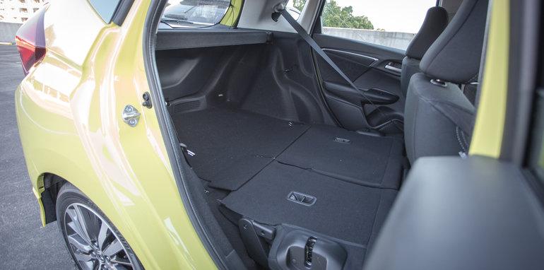 2016 Suzuki Baleno GLX V Honda Jazz VTi-S Comparo-44