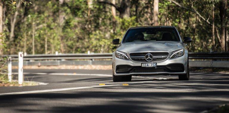 2017-Mercedes-AMG-C63-S-sedan - 1