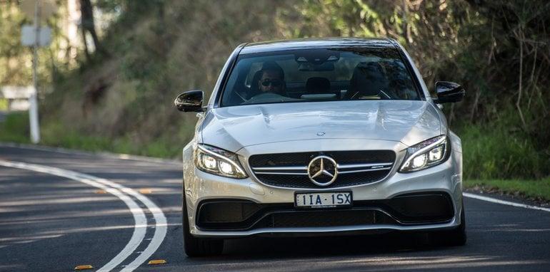 2017-Mercedes-AMG-C63-S-sedan - 3