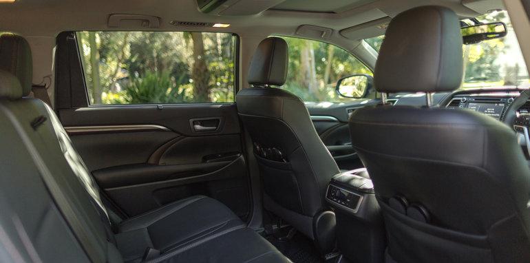 Mazda-cx-9-azami-toyota-kluger-grande-comparison38