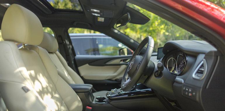Mazda-cx-9-azami-toyota-kluger-grande-comparison81