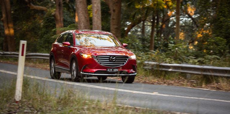 Mazda-cx-9-azami-toyota-kluger-grande-comparison9