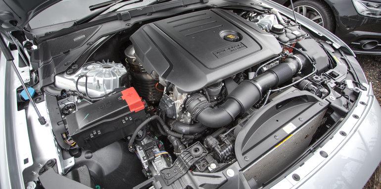 2016-4-car-comparo-bmw-520d-v-merc-e200-v-audi-a6-2-0-tfsi-quattro-v-jag-xf-122