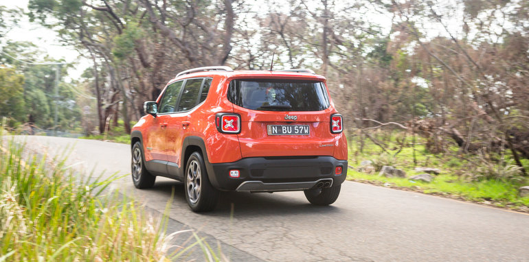 2016-jeep-renegade-limited-54
