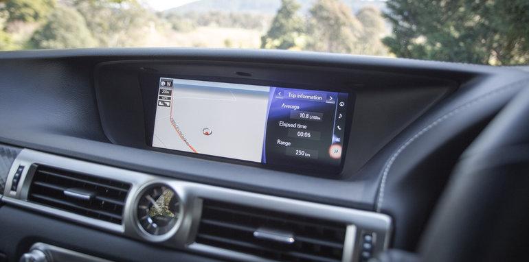 2016 Luxury sedan comparison Hyundai Genesis Ultimate v Jaguar XF 20d Prestige v Infiniti Q70 GT v Lexus GS200t F Sport v Skoda Superb sedan 206TSI-105