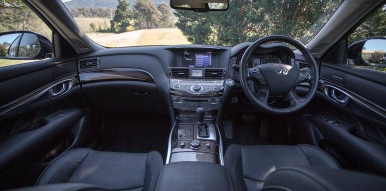 2016 Luxury sedan comparison Hyundai Genesis Ultimate v Jaguar XF 20d Prestige v Infiniti Q70 GT v Lexus GS200t F Sport v Skoda Superb sedan 206TSI-77
