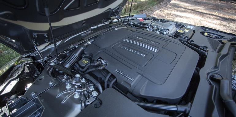 2016-porsche-boxter-s-v-jaguar-f-type-v6-s-engine