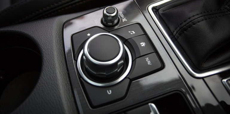 2016-volkswagen-tiguan-comfortline-awd-132tsi-v-renault-koleos-4x4-intens-v-hyundai-tucson-highlander-awd-v-mazda-cx-5-gt-awd-9