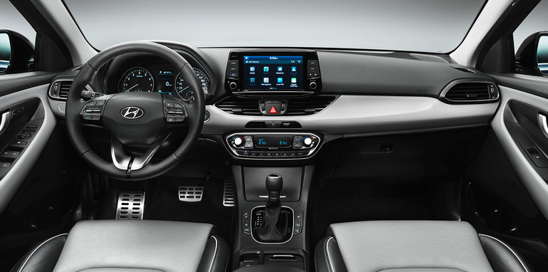 2017_hyundai_i30_official_08