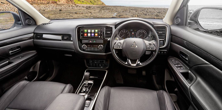 2017 Mitsubishi Outlander pricing and specs: New ...