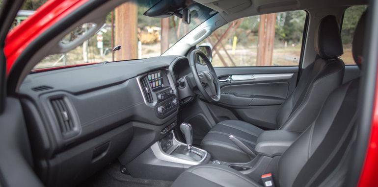 ford-ranger-wildtrak-v-holden-colorado-z71-comparison-6723