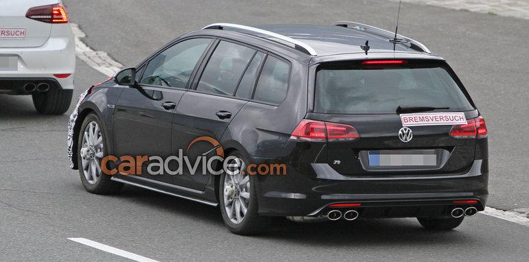 volkswagen-golf-r-wagon-facelift-spy-9