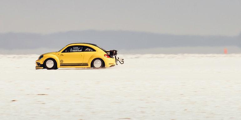 volkswagen_beetle_lsr_salt-flats_06