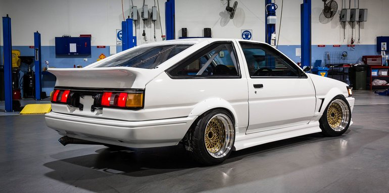 beau-yates-toyota-genuine-parts-ae86-restored-11