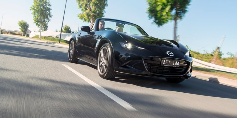 mazda_mx-5_v_abarth-124-spider_15