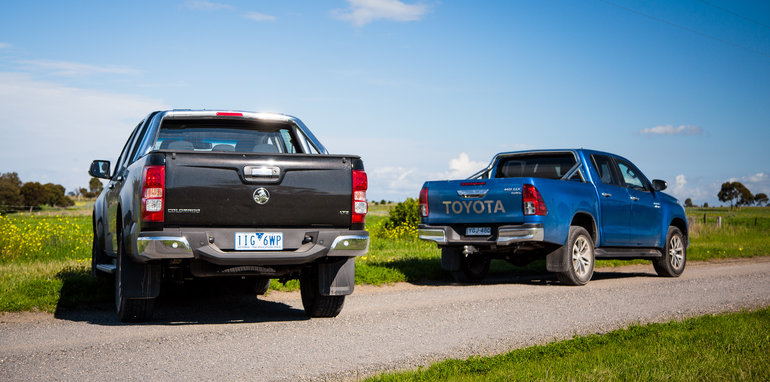 2017-holden-colorado-v-toyota-hilux-comparison-18