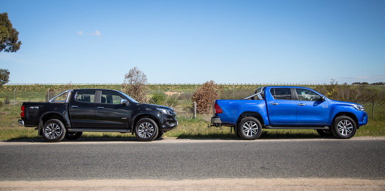 2017-holden-colorado-v-toyota-hilux-comparison-2