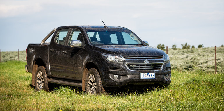 2017-holden-colorado-v-toyota-hilux-comparison-23