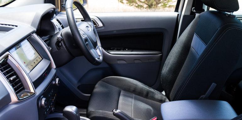2017-ford-ranger-xlt-v-volkswagen-amarok-v6-40