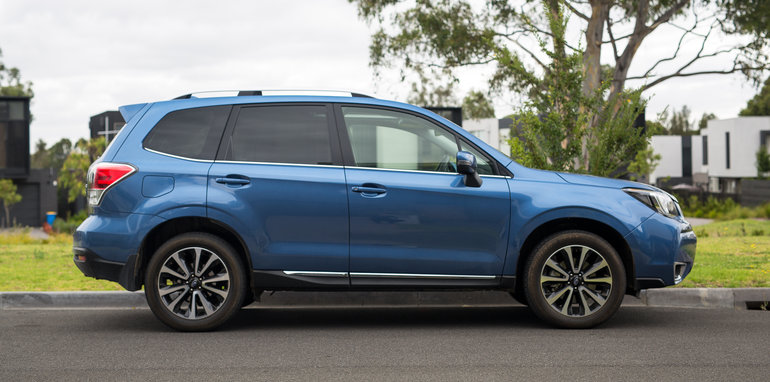 volkswagen tiguan 162tsi highline r line v subaru forester xt premium comparison. Black Bedroom Furniture Sets. Home Design Ideas