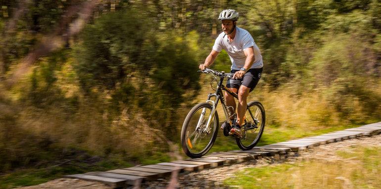 2017_subaru_outback_2-5i_premium_mountainbike-36