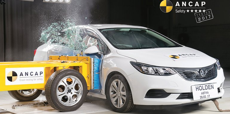 2018-holden-astra-sedan-ancap-photo-w-logo-holden-astra-sedan-side-impact