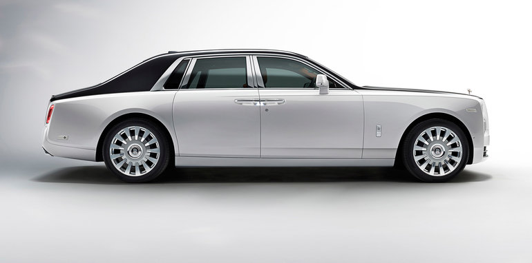 2018 rolls royce phantom cost. interesting cost the body is curvier now more of an enlarged version the ghost u2013 a  contemporary and athletic offering than old phantom while maintaining  on 2018 rolls royce phantom cost