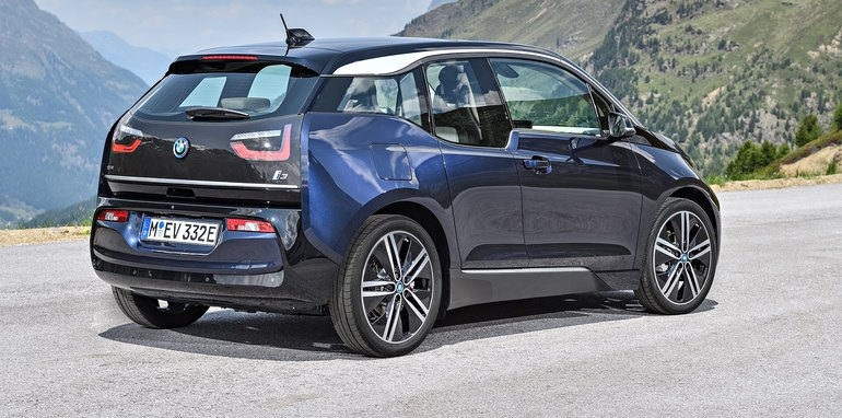 2018 bmw ev. contemporary 2018 the i3s as the new flagship of electriconly i3 models the  rangeextender variant continues an option is fuelled by same 33kwh battery pack  on 2018 bmw ev