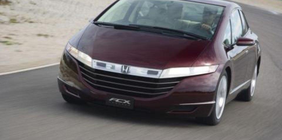 Honda building hybrid to rival Prius