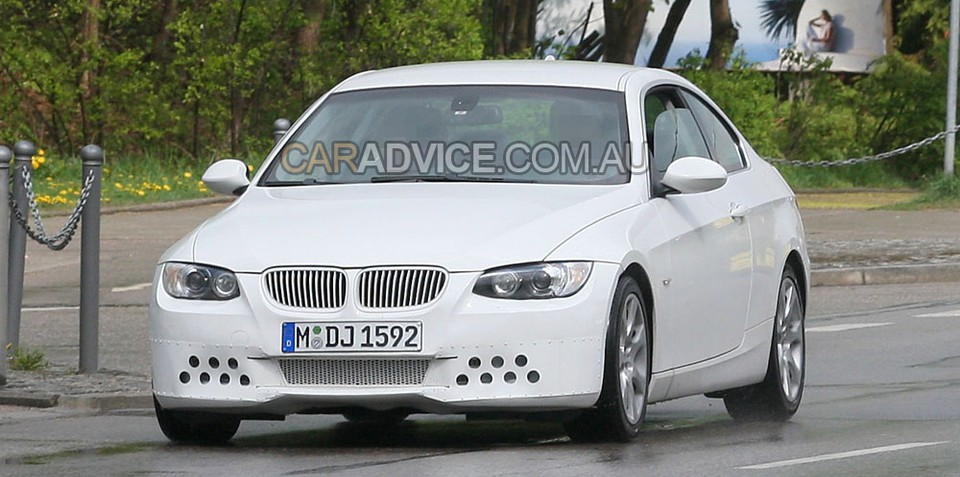 2009 BMW 3 Series Coupe facelift spied