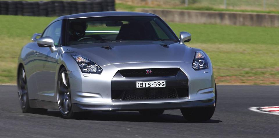Nissan GT-R lowers 'ring record - again