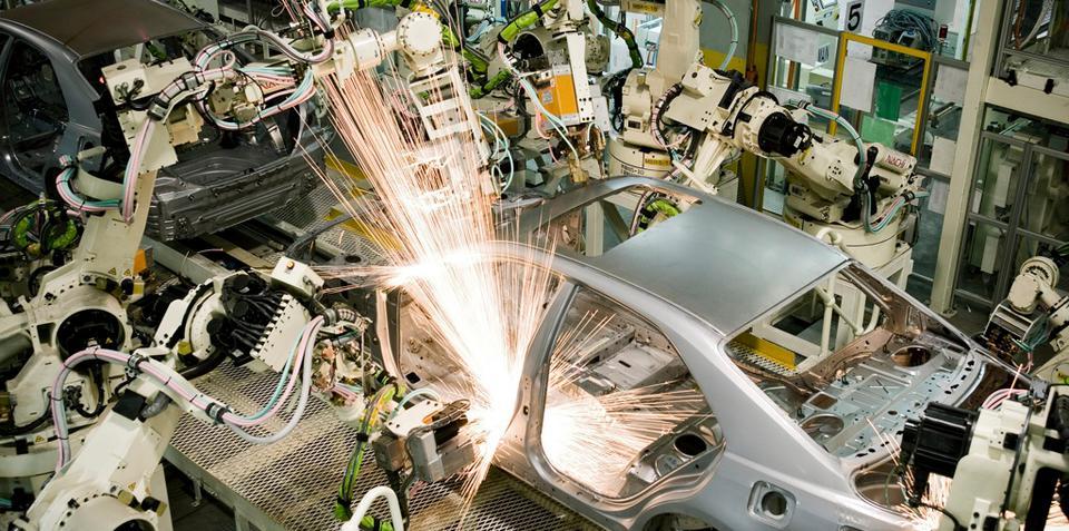 Toyota Hybrid Camry begins pilot build