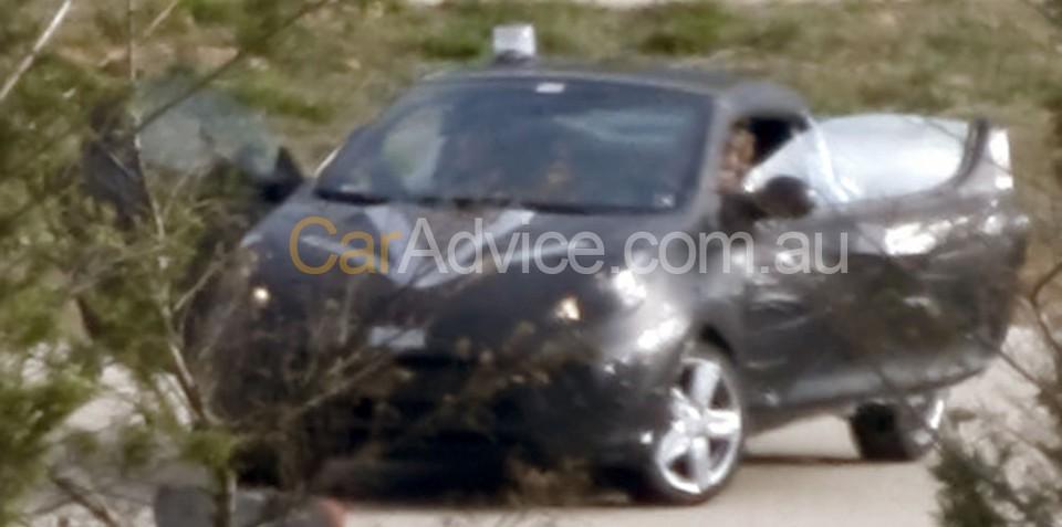 2010 Renault Twingo CC spy photos